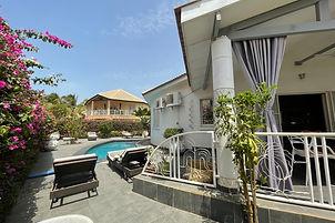 Villa 3 chambres avec titre foncier à vendre en résidence bord de mer à Saly avec piscine privée