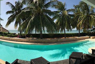 A louer villa pieds dans l'eau avec piscine à Saly