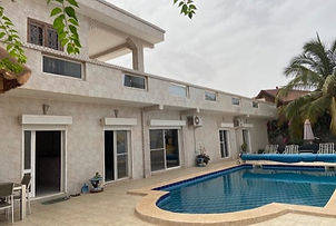 Villa avec piscine à vendre bord de mer Saly