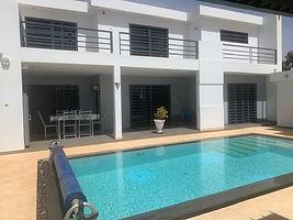 Villa neuve contemporaine 3 chambres avec solaire et piscine à vendre à Somone Canda
