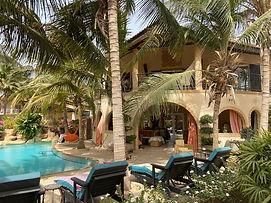 Villa bord de mer à vendre piscine jacuzzi résidence Saly