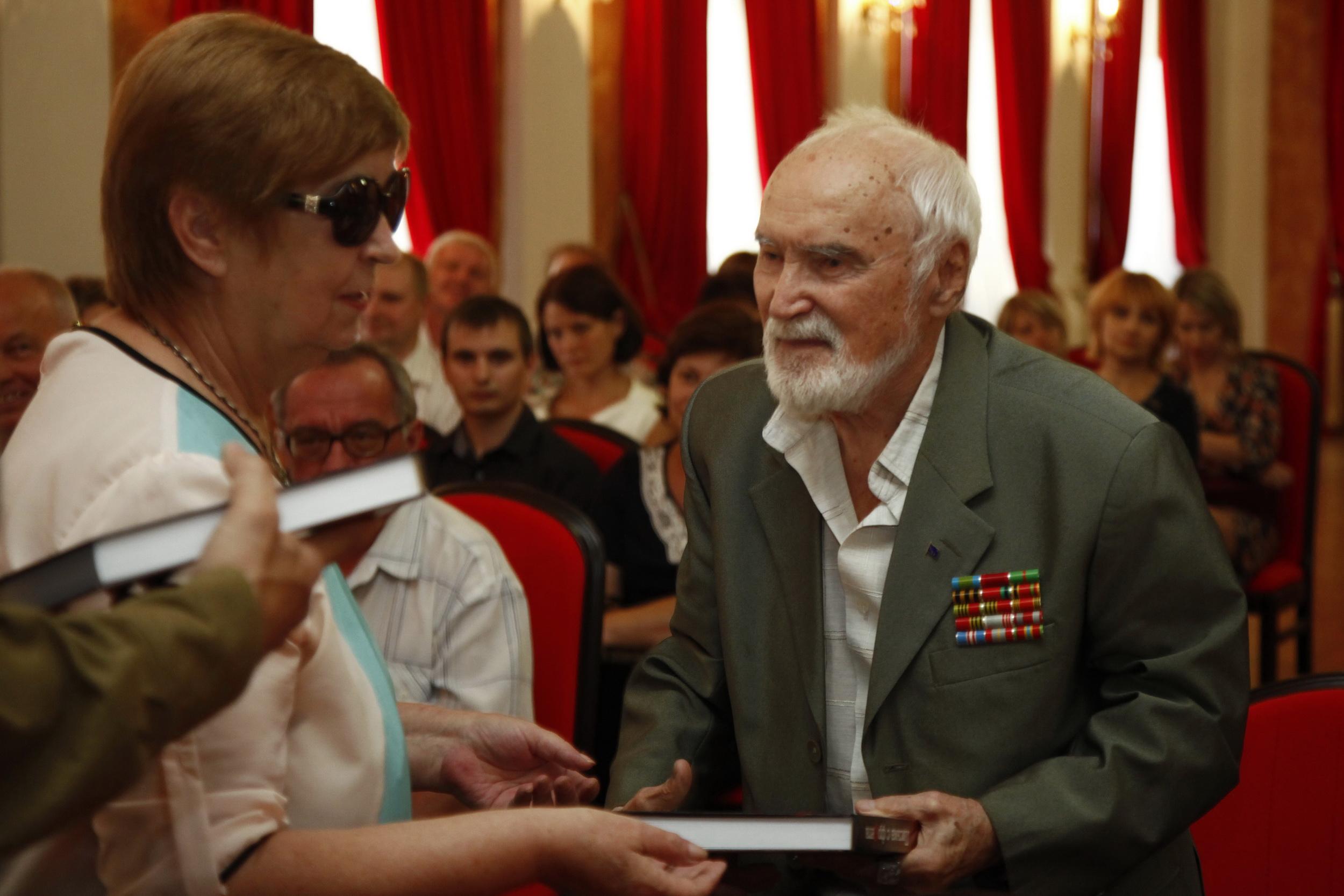 Т.А. Василевская и участник ВОВ Л. Пасенюк