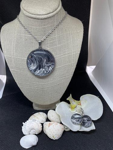 FLUID ART JEWELRY 40mm necklace