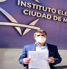 Mauricio Tabe denuncia al alcalde de Miguel Hidalgo ante IECDMX por volantes de vacunas