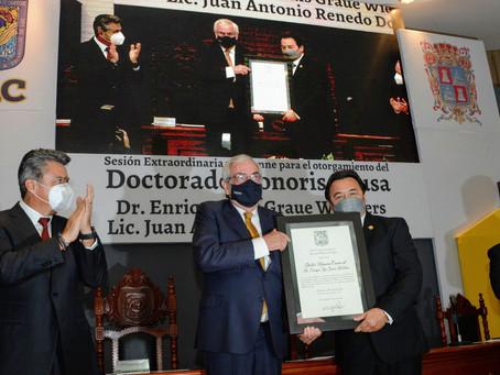 Enrique Graue, rector de la UNAM, recibe Honoris Causa de la Universidad Autónoma de Campeche