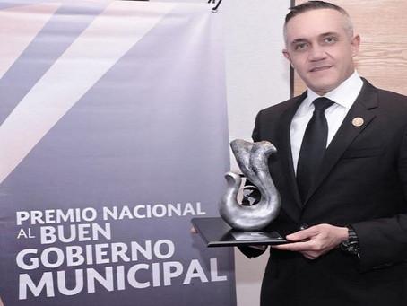 Cuajimalpa recibe de la FENAMM premio a la excelenia municipal en seguridad