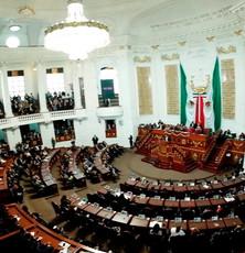 Congreso local recibe iniciativas del Gobierno de la CDMX: Igual de género y derechos paternales