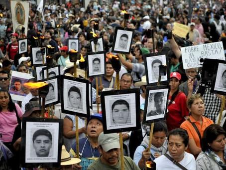 Ayotzinapa, 1, 2, 3, 43, vivos se los llevaron, vivos los queremos…