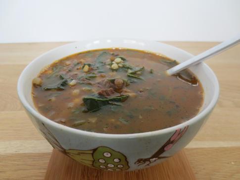 EUR 5(500ml)Groene linzensoep met spinazie en kikkerertwten
