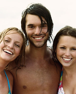 Friends%20at%20the%20Beach_edited.jpg