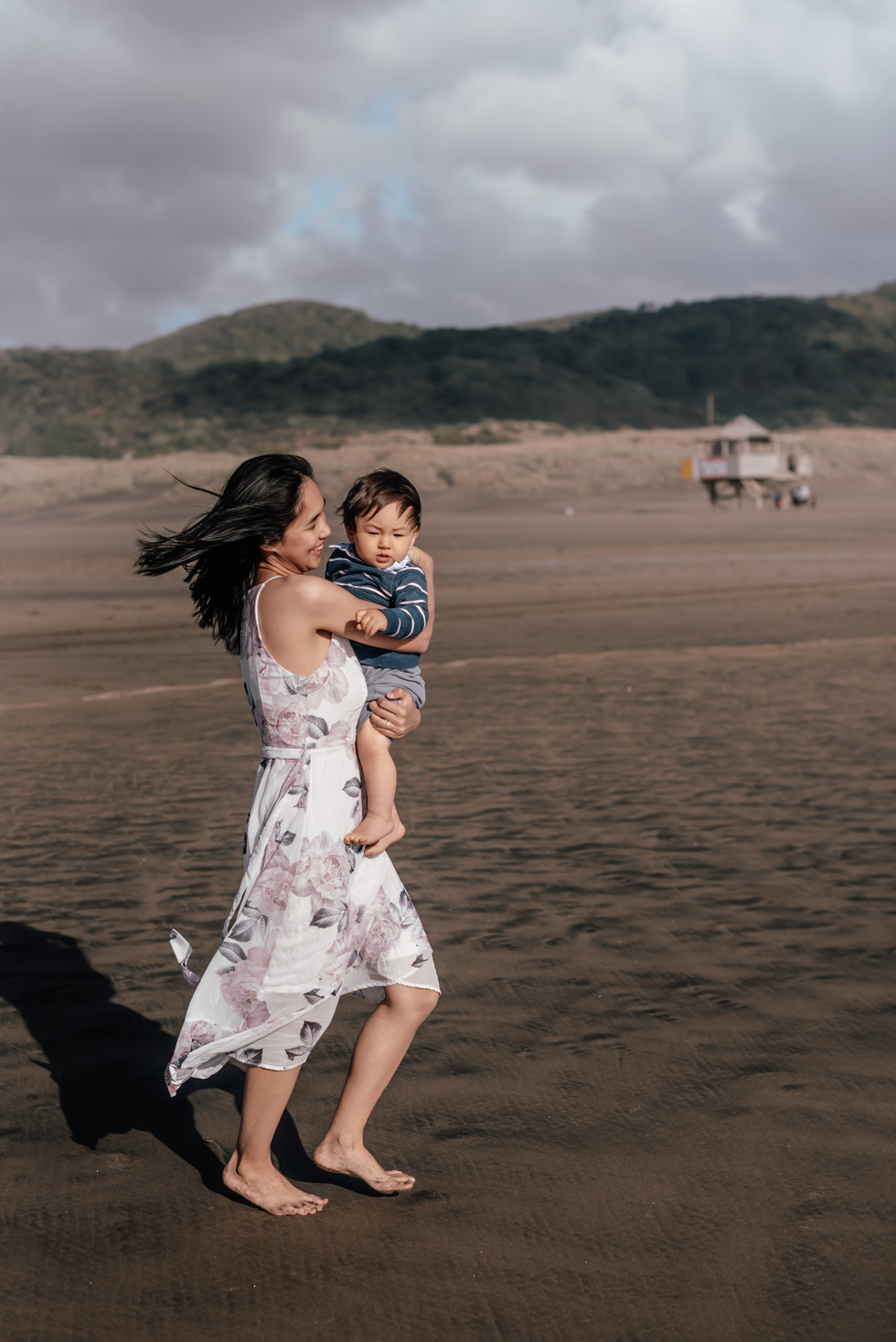 Family Beach Photoshoot | Bethells Beach Auckland New Zealand - www.zanthevorsatzphotography.com