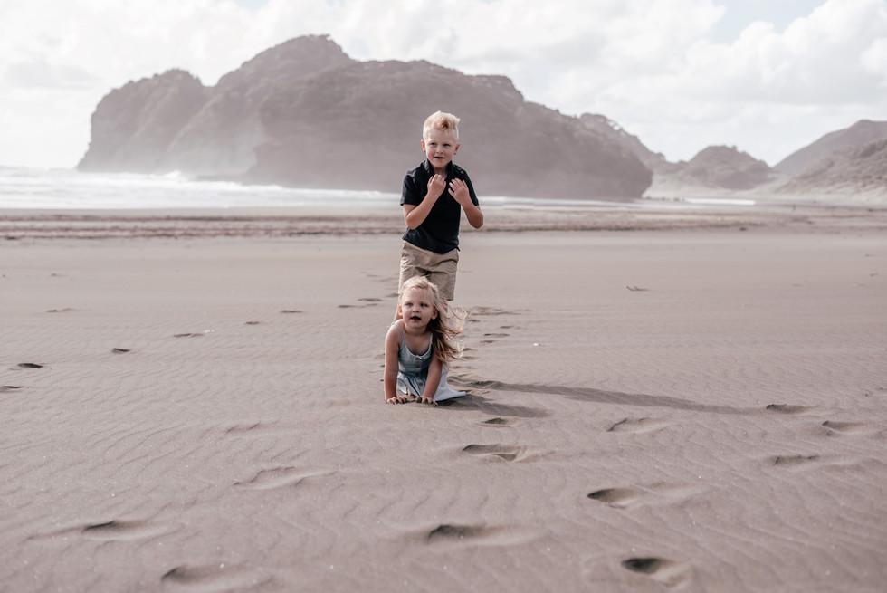 Family Adventure Photoshoot   Bethells Beach, Auckland New Zealand - www.zanthevorsatzphotography.com