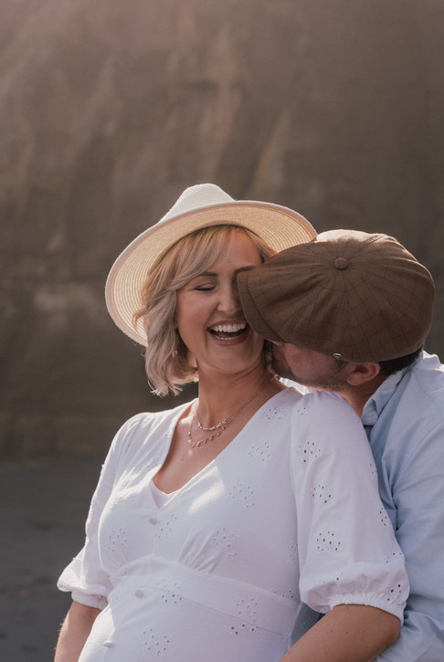 Maternity Shoot at Maori Bay in Auckland