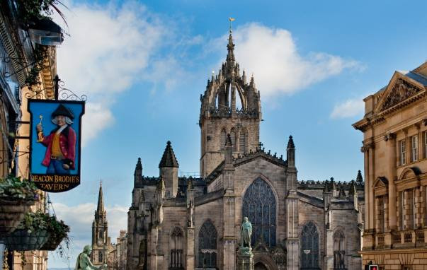 Discover over 900 years of history in one of Scotland's most iconic buildings, and one of Edinburgh's most visited attractions, St Giles' Cathedral. Entry to the building is free with a suggested donation of £5, and visitors are welcome to explore the building at their own pace.