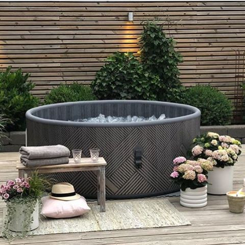 Mono Hot Tub Hire by Penguin Hot Tubs and Swim Spas