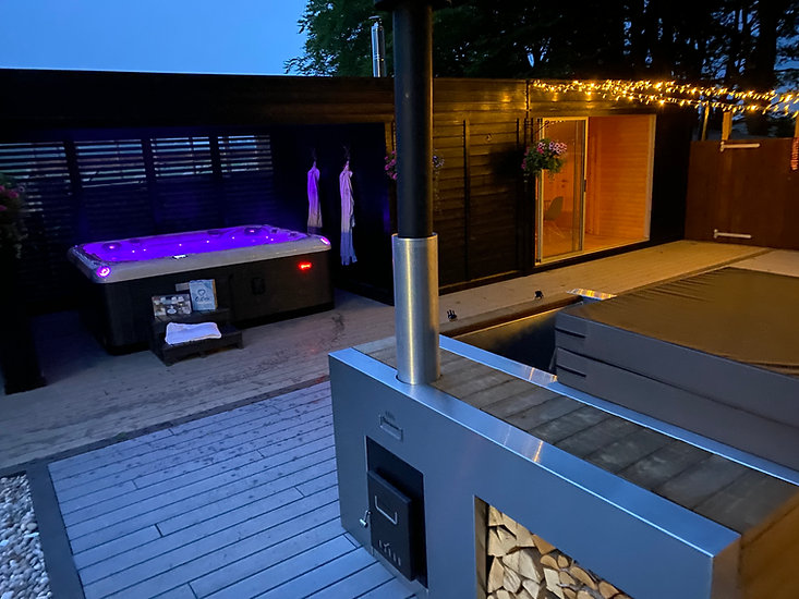 Hot Tub Enclosure by BaltoScandia Penguin Spas Outdoor Living 3.jpg