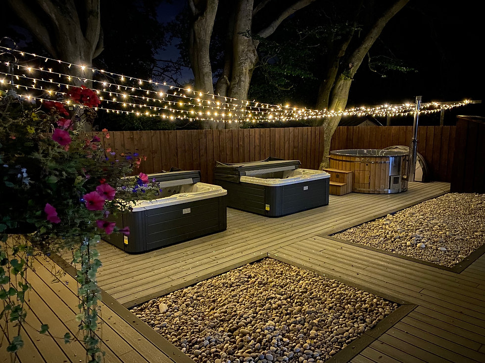 Penguin Spas outdoor living night 2.jpg