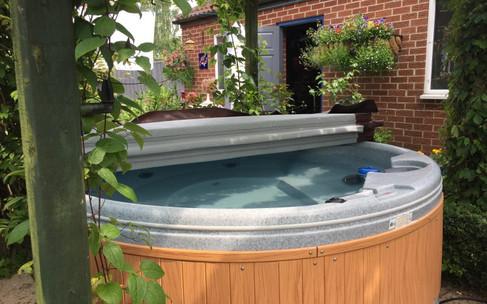 Quatro Spa Hot Tub Hire by Penguin Hot Tub Hire