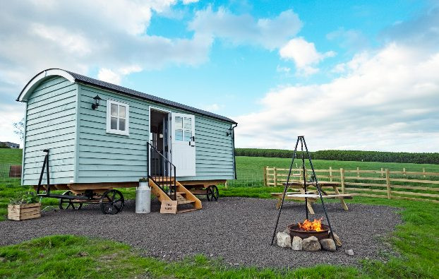 Two beautiful handcrafted shepherd's huts with kitchens and shower rooms sleep 4 with views over Loch Fitty near Dunfermline. Family run sheep farm near Dunfermline has 2 beautiful modern handcrafted shepherd's huts that sleep up to 4 people each.