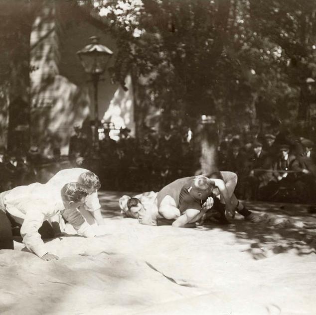 1909 Worstelen bij het Tolhuis
