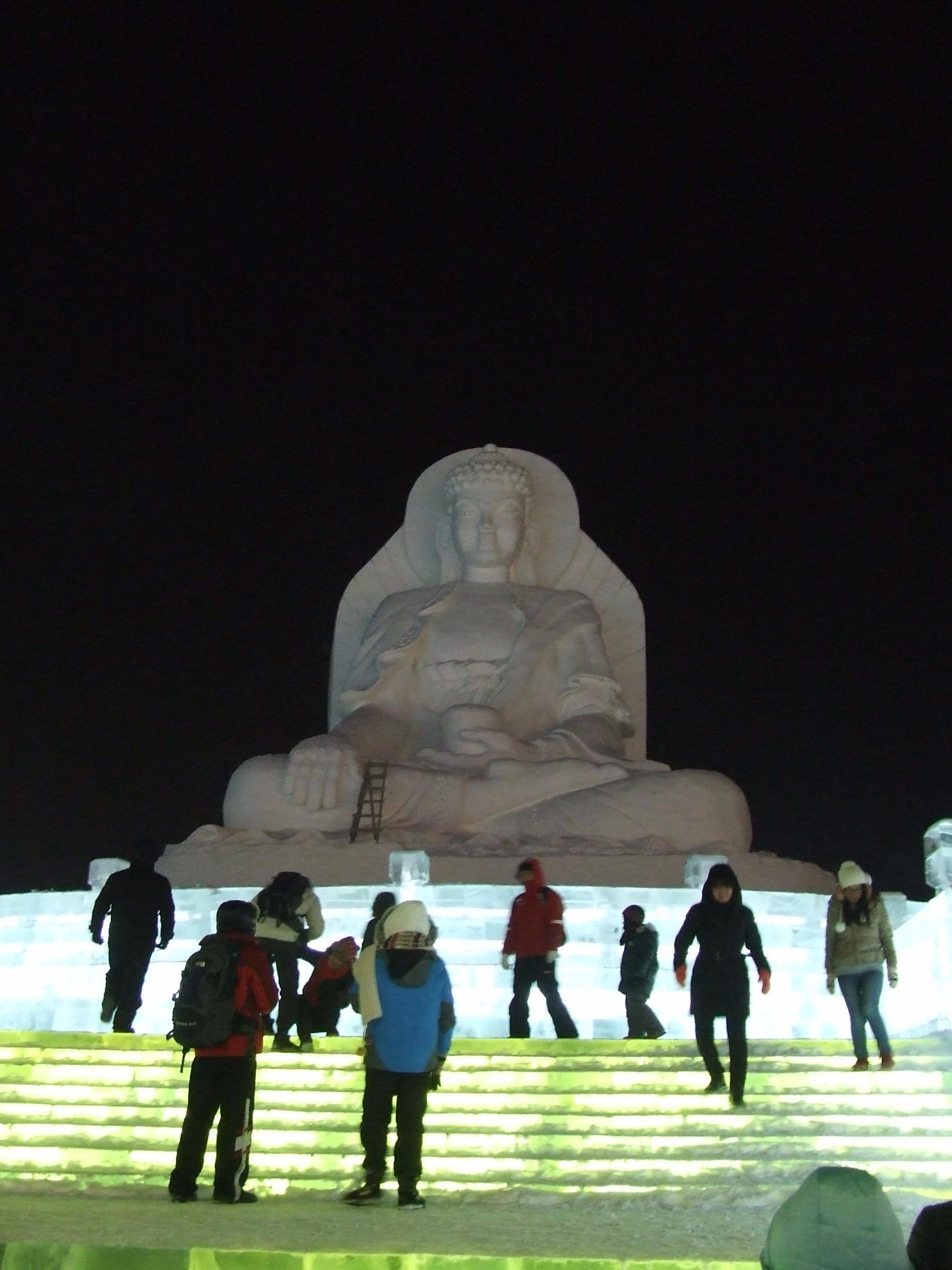 פסל של בודהא קפוא, פסטיבל הקרח חרבין