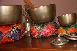 קערות טיבטיות, אשר משמשות למדיטציה ושחרור