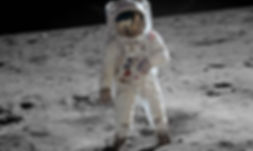 895px-Aldrin_Apollo_11_original.jpg