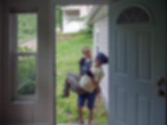 VD enter house WEB.jpg
