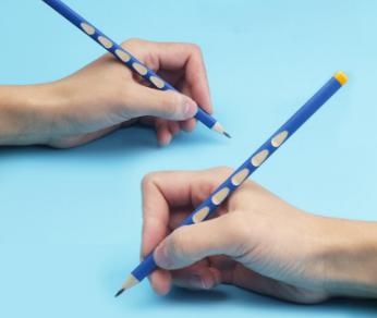 Lápis triangular para corrigir a pega