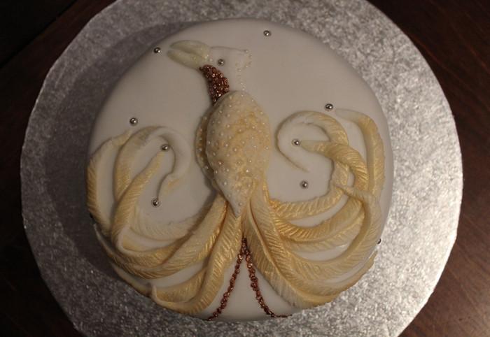 Bird of paradise Christmas cake