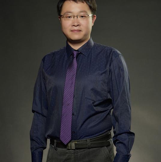 Dr. Huang Qixuan