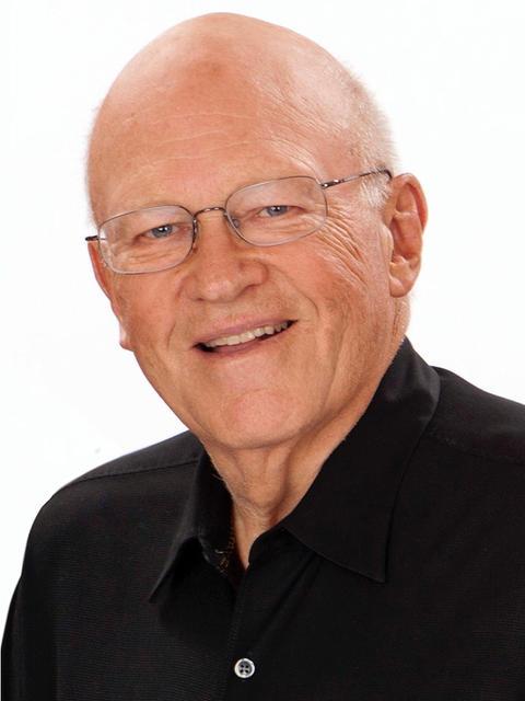 Recipient of 2014 Warren Bennis Award