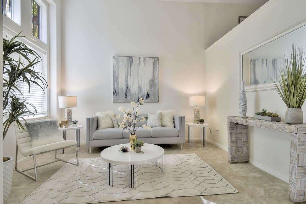 Real Estates Staging Consultant Service