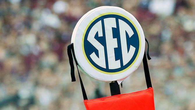 College Football Reeling--SEC Troubled, Pac-12 Tested, Scott Slammed, Northwestern Praised