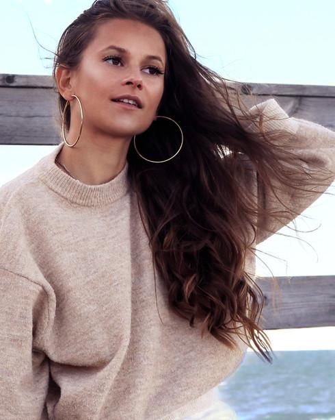 Photo: Emelie Eriksson  Hair & Makeup: Emelie Eriksson  Model: Emily Knight