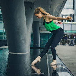 Ballet Dancer in Canary Wharf