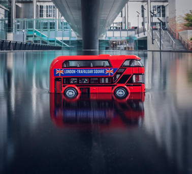 London bus toy in Canary Wharf