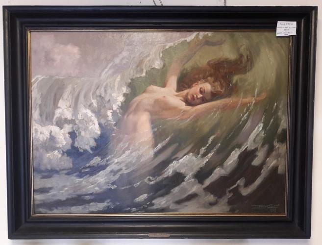 Donna nelle onde