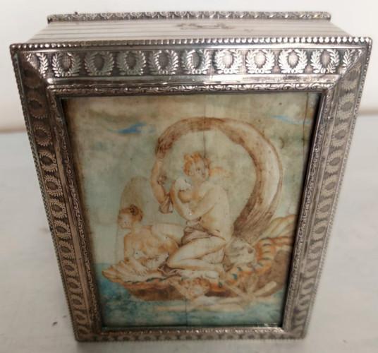 Scatola in argento con miniatura dipinta su avorio