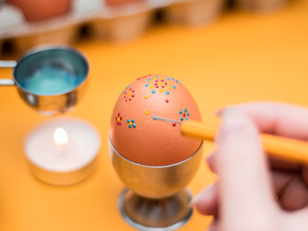 Easter Eggs Wax Decorating