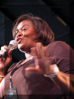 Carol_Brooks_Meyners_can_sing!!_small.jp