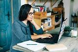 woman-virtual-surrogacy-chat.jpg