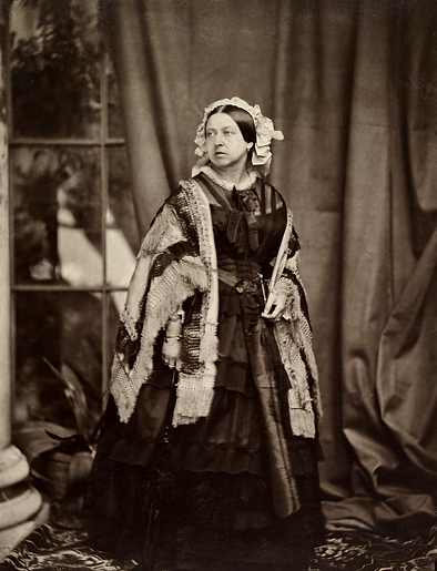 Queen_Victoria_by_JJE_Mayall,_1860.png