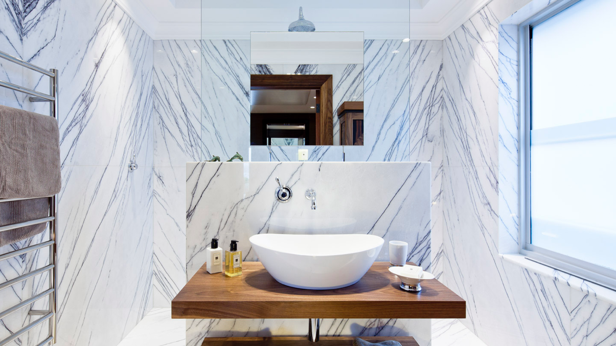 luxury contemporary bathroom