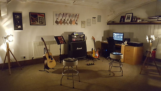 Guitar Lessons Tutor Electric Acoustic Studio Dorking Surrey