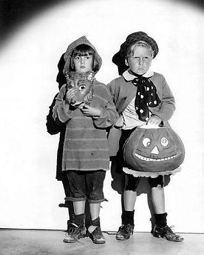 robert-coogan-jackie-cooper-halloween-31