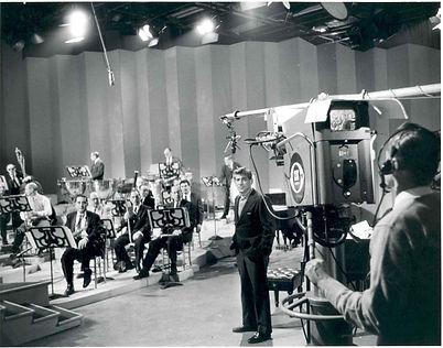Bernstein_with_TV_Camera.jpg