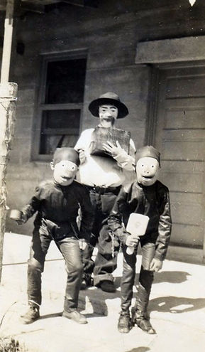 creepy-halloween-costumes-1930s-40s-5.jp