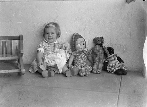 children & toys, 1930s (18).jpg