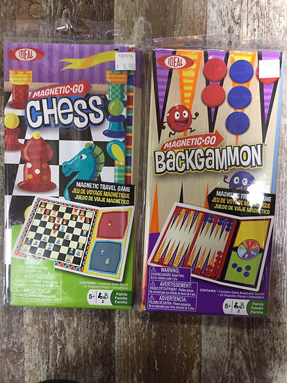 Magnetic to go Backgammon or Chess